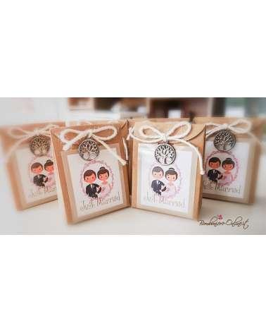 """Scatolina portaconfetti matrimonio - Sposi in cartoncino con applicazione albero serie """"Gaia"""""""