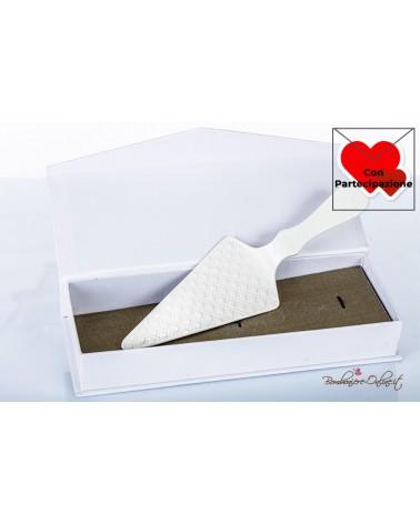 Bomboniere Matrimonio Morena: Paletta per torta in porcellana bianca decoro matelassè