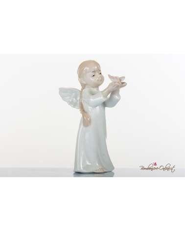 Prima Comunione Morena: Angioletto femmina con farfallina tra le mani in porcellana lucida