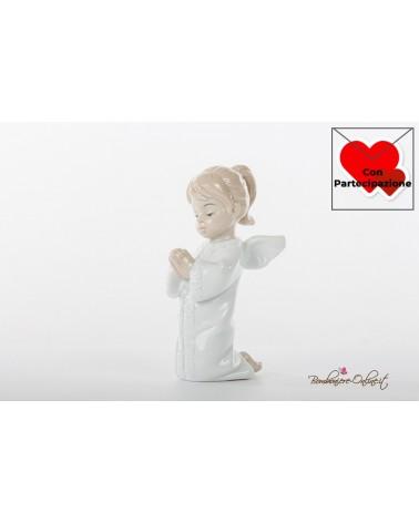 Prima Comunione Morena: angioletto femmina che prega in ginocchio in porcellana lucida colorata