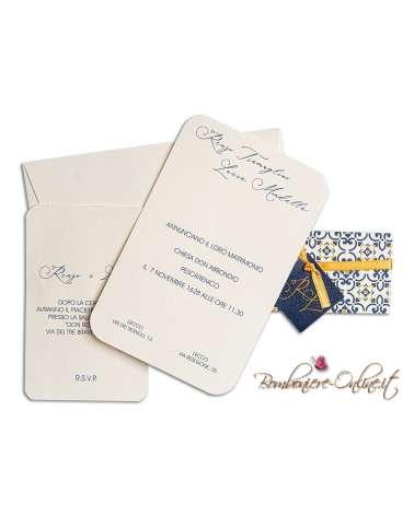 Partecipazione con invito nozze fascia maiolica con iniziali
