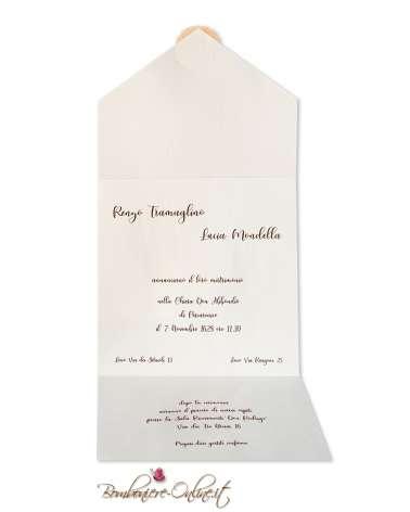 """Partecipazione matrimonio a busta quadrata con sigillo """"Love"""" in legno e decoro acquerello e fiori stampati"""