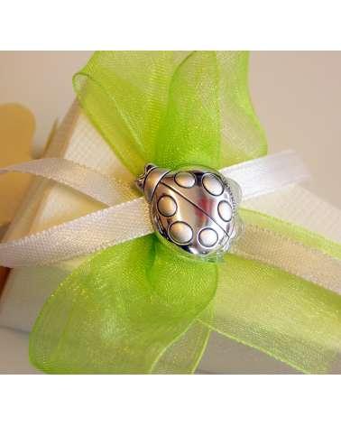 Segnaposto box confetti in cartoncino con coccinella Argento dettaglio