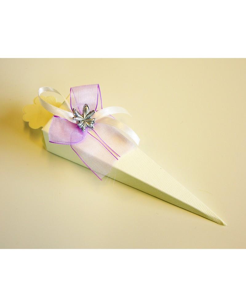Cono segnaposto in cartoncino con farfalla in bilaminato d'argento