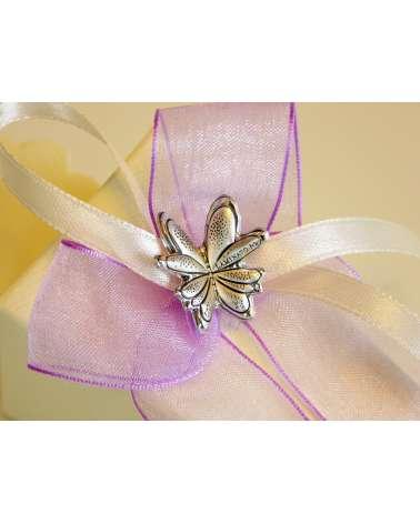 Cono segnaposto in cartoncino con farfalla in bilaminato d'argento dettaglio