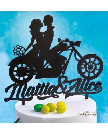 Cake topper in legno innamorati con moto