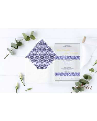 Partecipazione di nozze in plexiglass con motivo maiolica bianca e blu