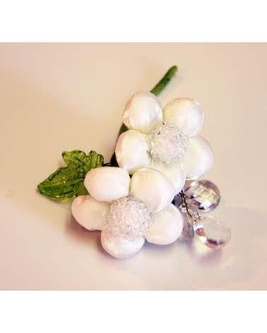 Fiori bianchi con pendenti