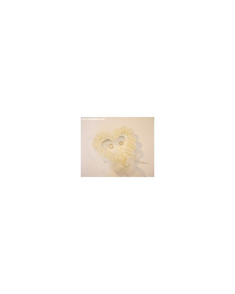 Cuscino protafedi cuore con rose avorio/bianco