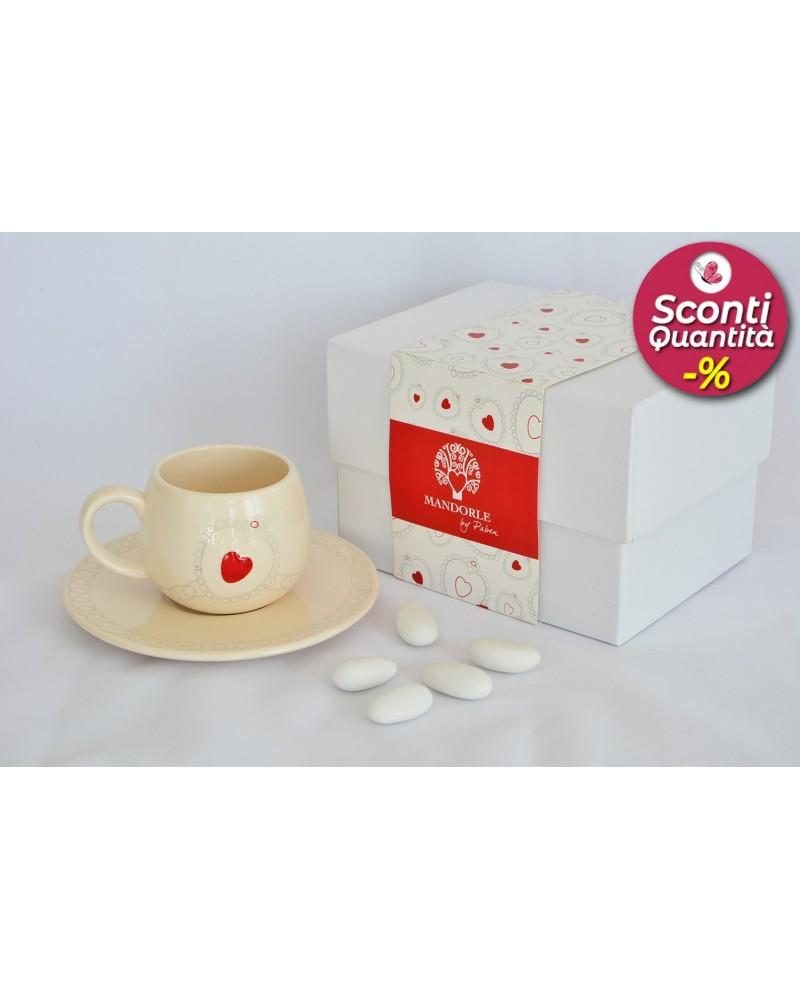 Bomboniera matrimonio tazzina caffè in ceramica con decorazione cuore rosso