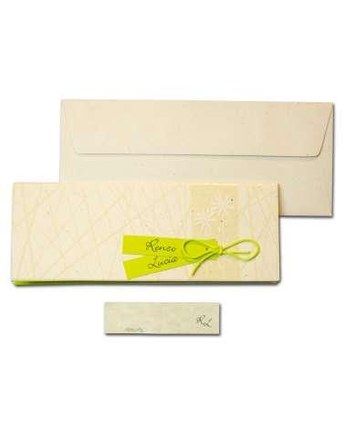Partecipazione carta riciclata avorio e decoro in rilievo con invito