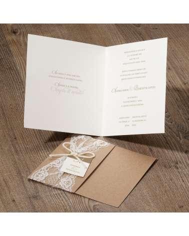 Partecipazione nozze shabby fascia in carta naturale e pizzo