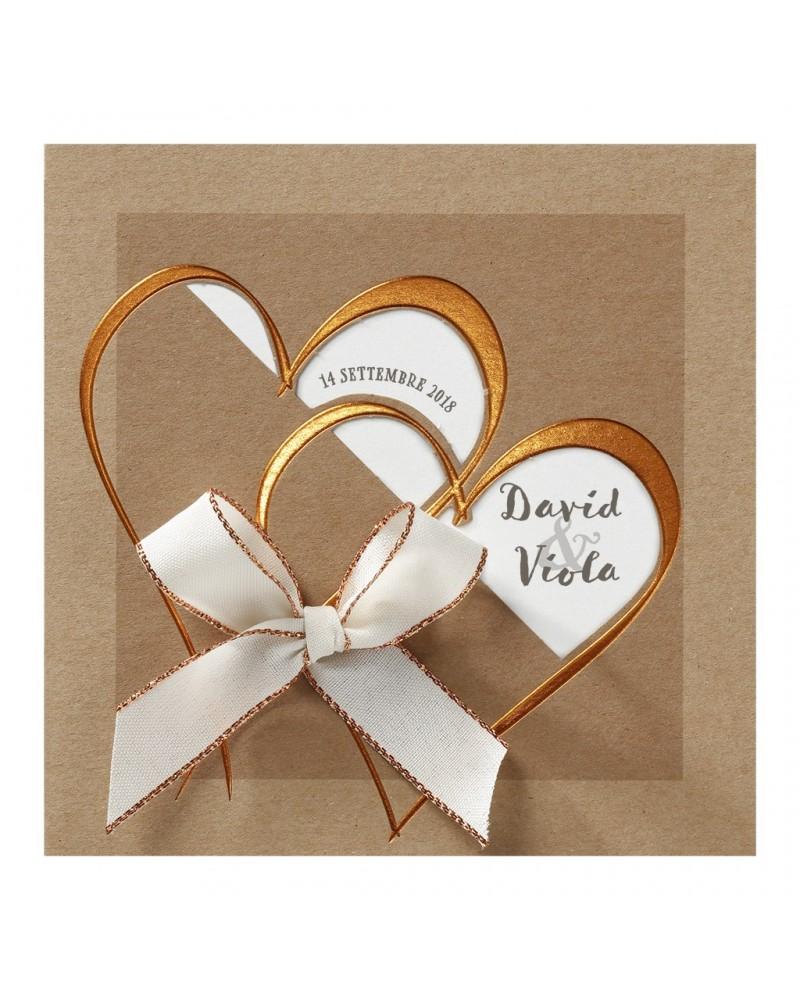 Partecipazione nozze elegante con cuoricini rame e fiocco