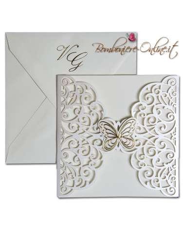Partecipazione con invito taglio laser e farfalla dorata