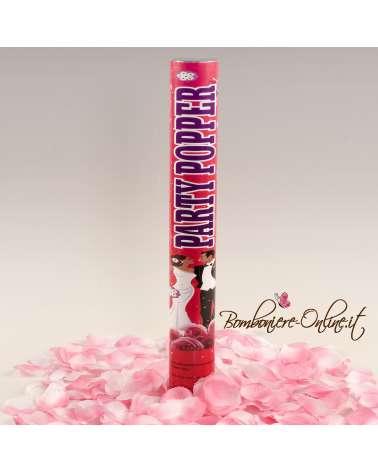 Tubo spara petali di rosa.