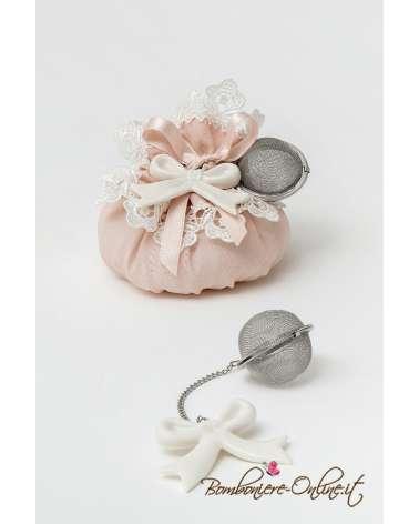 Infusore tisane fiocco d'amore su sacchetto in georgette