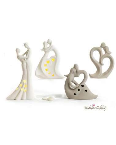 Bomboniera matrimonio Innamorati stilizzati in porcellana bianca con luce