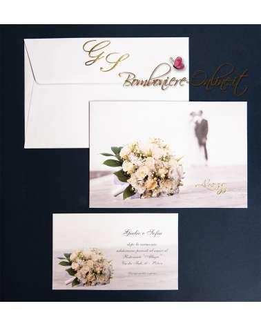 Partecipazione matrimonio bouquet in primo piano