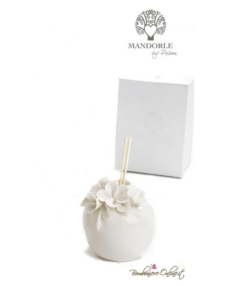 Bomboniera diffondi profumo ambiente in porcellana con fiori in rilievo