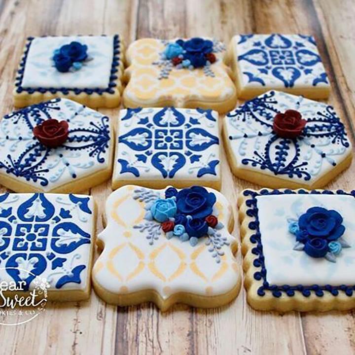 Dolcetti con decorazioni a tema ceramiche