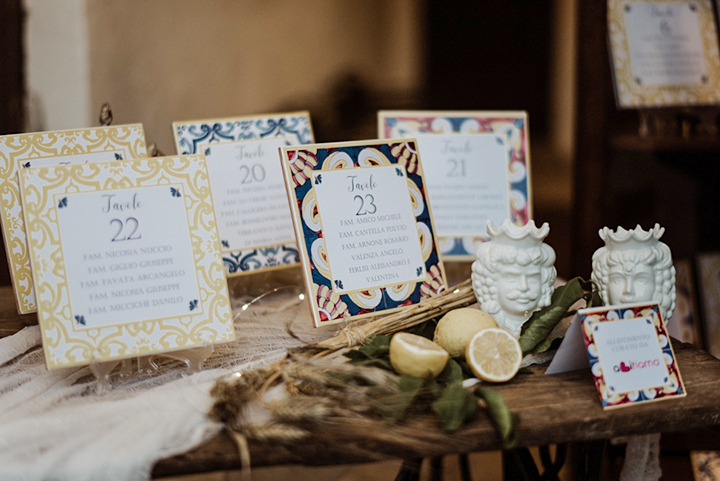 Piastrelle Maioliche come tableau mariage per matrimonio Tema Sicilia